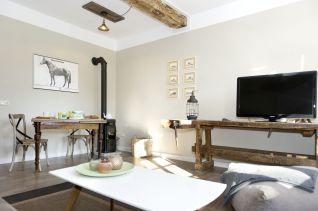 Das gemütliche Wohn- Esszimmer mit Werkstattofen